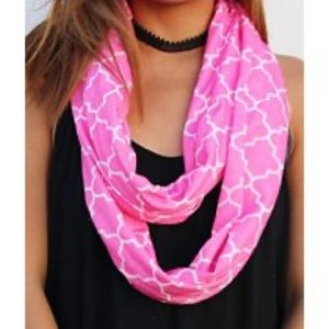 Infinity Scarf with Zipper Pocket & Pattern Pink